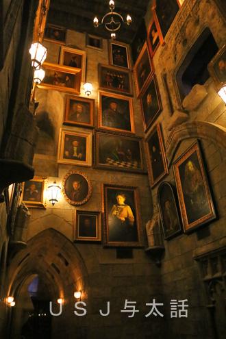 ホグワーツ城の中の会話する絵画