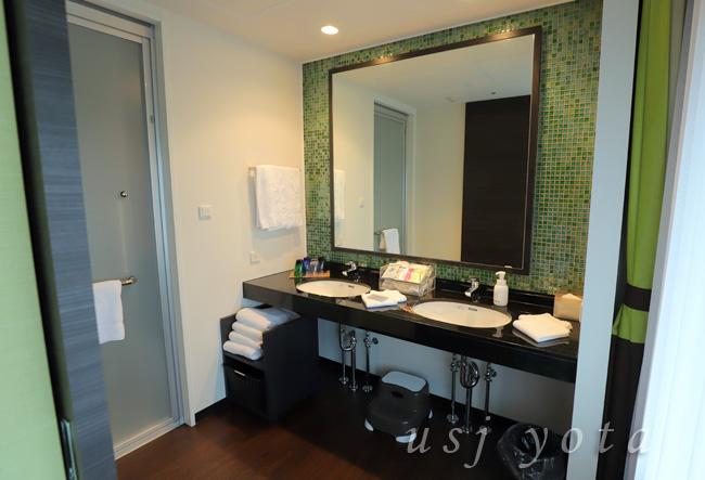 ザ パーク フロント ホテル アット ユニバーサル・スタジオ・ジャパンの洗面所とお風呂
