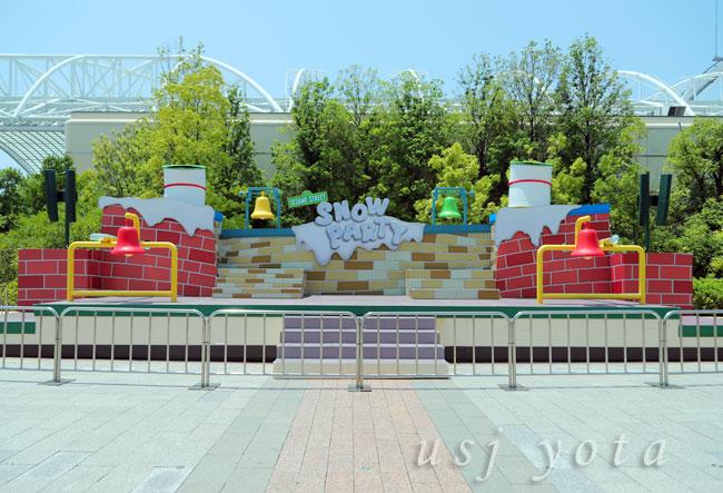 セサミストリート・スノー・パーティの舞台の写真
