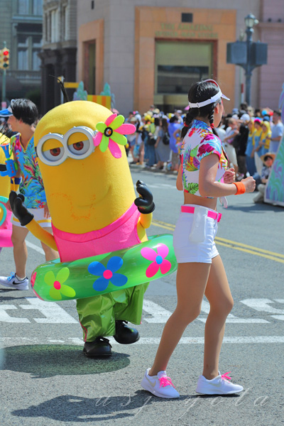 ウォーター・サプライズ・ パレードに出てくるミニオン