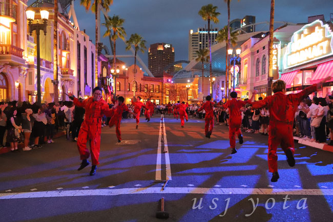 ストリートゾンビのゾンビでダンス