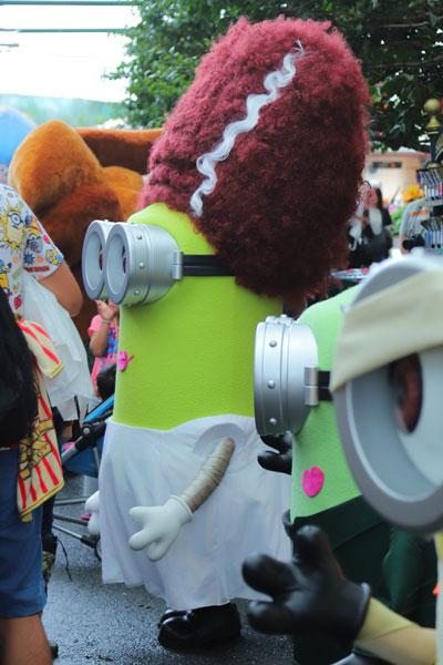 ハロウィン仮装のミニオン