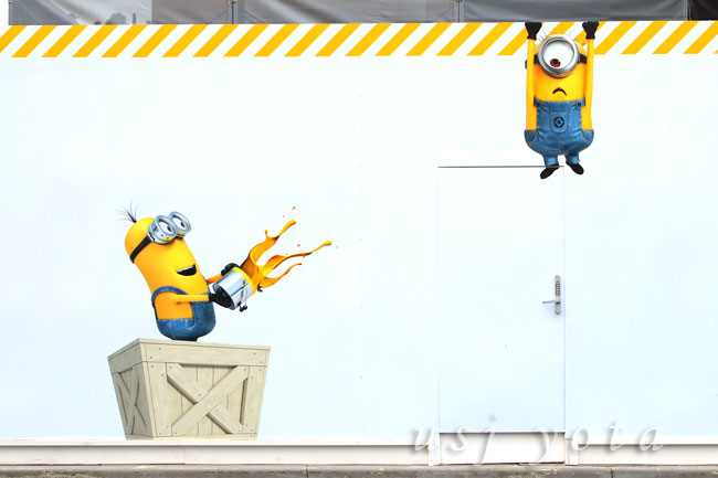 ステージ14の塀に描かれているミニオン達