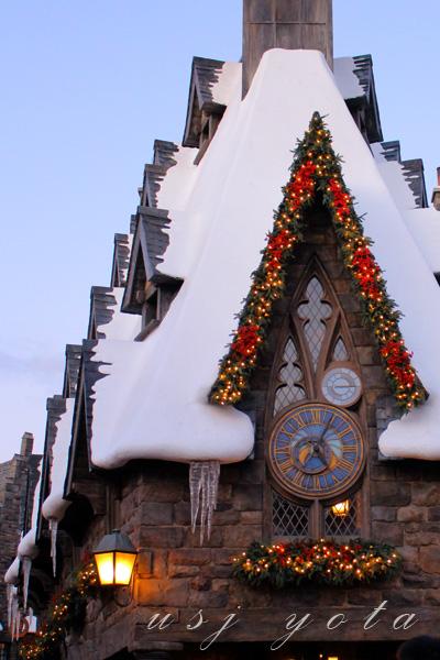 ホグズミード村のクリスマス・デコレーション