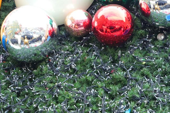 クリスマスツリーの電飾LED