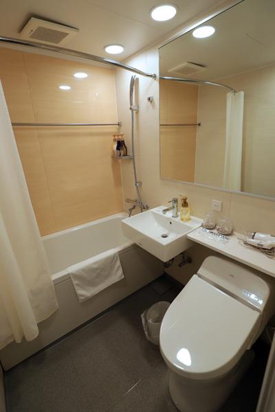 シンギュラリホテルのお風呂とトイレ
