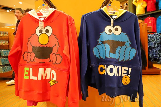 エルモとクッキーモンスターのパーカー