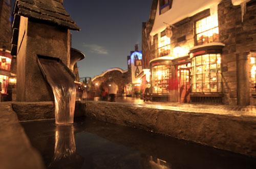 ハリー・ポッターエリアの夜景写真